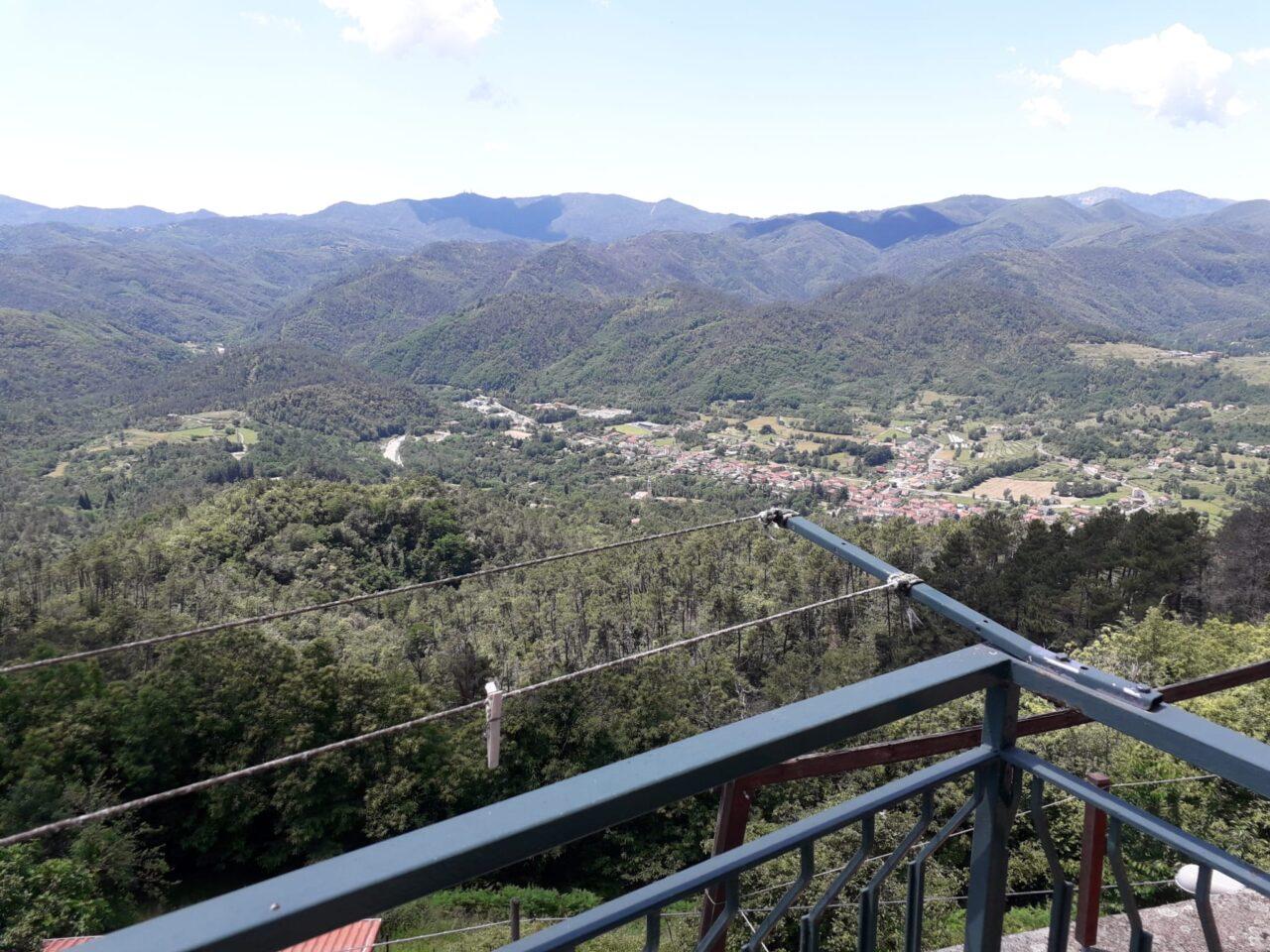 Godano – Appartamento con balcone panoramico