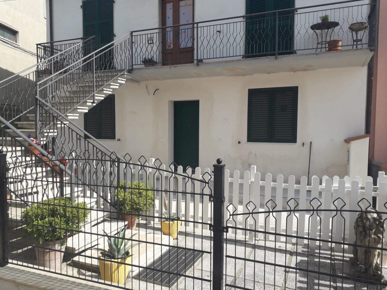 Appartamento in bifamiliare a Ponzano Magra